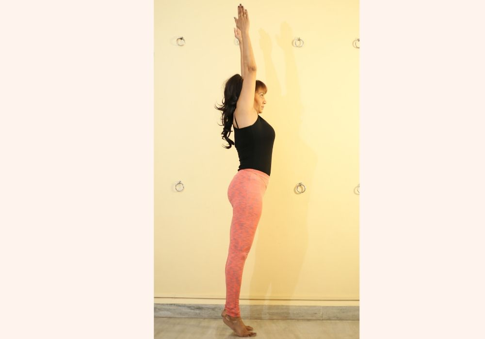 yoga for beginners- tadasana at shwet yoga classes and courses in thane west