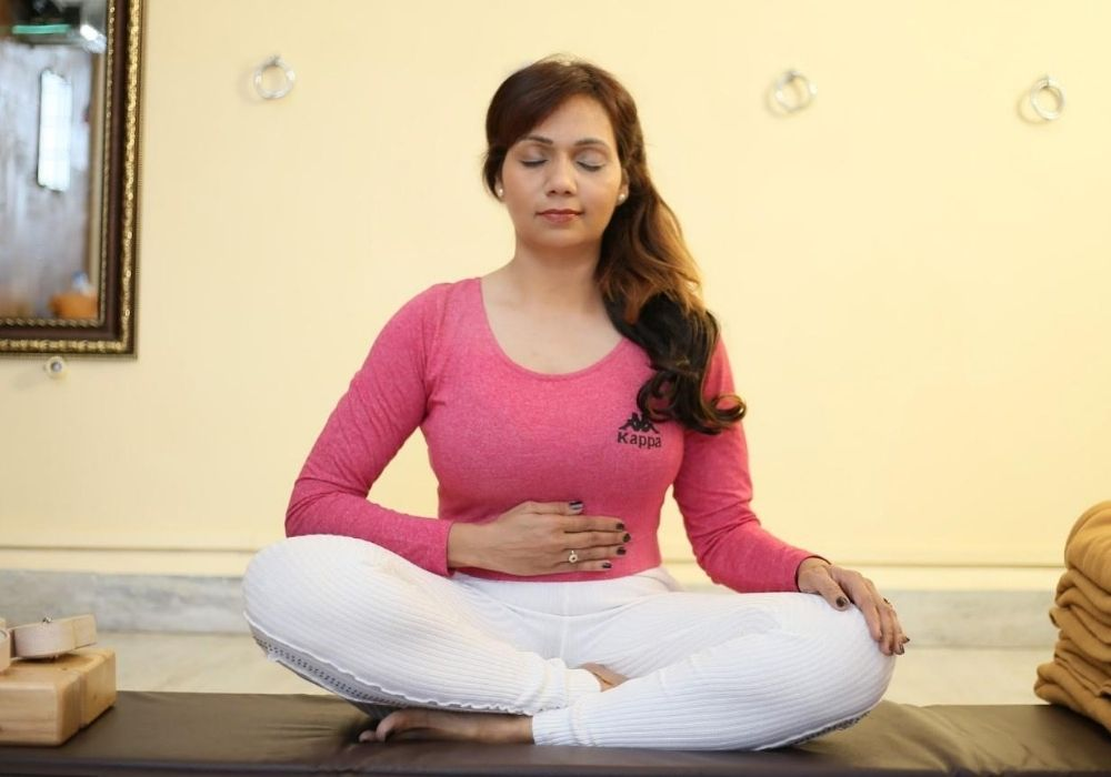 yoga postures kapalbhati- at shwet yoga classes & courses in thane west