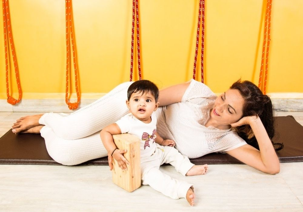pregnancy yoga in Shwet Yoga courses and classes in thane west