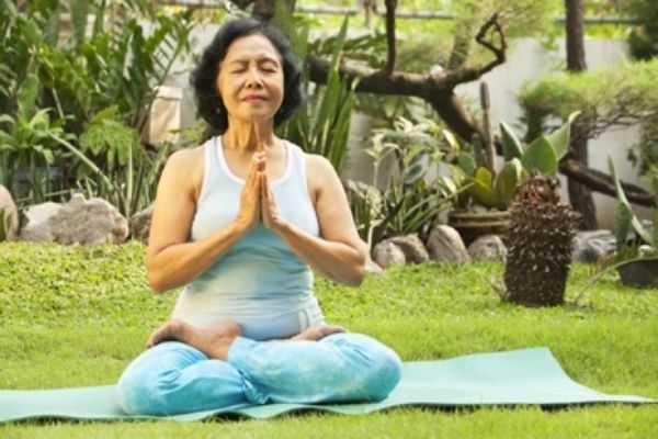 benefits of yoga for senior citizens at shwet yoga classes in thane west